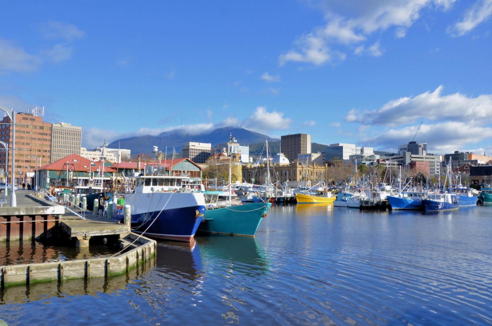 hobart-tasmania-harbour-tas-161004204733014